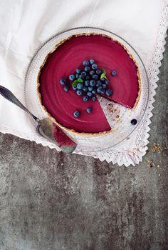 Rukiinen mustikkajuustokakku | Maku No Bake Desserts, Delicious Desserts, Finnish Recipes, Sweet Bakery, Blueberry Cheesecake, Halloumi, Piece Of Cakes, Something Sweet, Cheesecakes