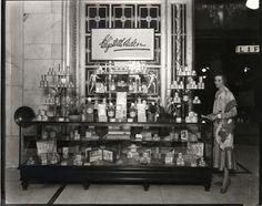 1925 selfridges & co, mr selfridge, retail news, london photos, harr Mr Selfridge, Retail News, Retail Stores, Selfridges London, Old Gas Stations, Shop Front Design, Old London, London Photos, Vintage Beauty