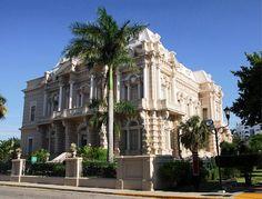 Palacio Cantón en Mérida, México, obra residencial de gran porte con características distinguidas estilo Neoclásico Manierista