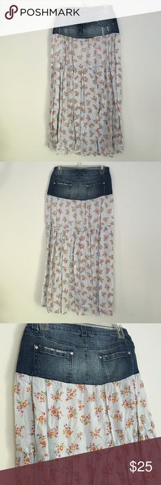 Womens Floral & Denim Peasant Skirt Super Cute Floral Skirt with Denim top! Plus pockets, what more can you ask for?!?!!!!! Kettle Black Skirts Circle & Skater