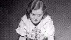La aterradora historia de la mujer que coleccionaba pieles tatuadas