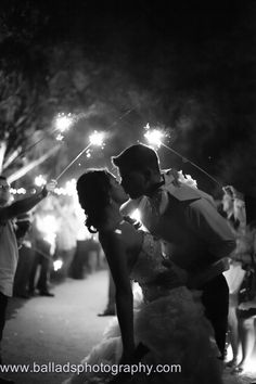 Wedding Sparkler Sendoff http://www.balladsphotography.com