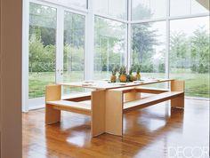 In a Thomas Phifer-designed glass-and-steel weekend home in New York's Hudson Valley, Muriel Brandol. Interior Decorating, Interior Design, Interior Ideas, Decorating Ideas, Decor Ideas, Steel House, Home Decor Inspiration, Design Inspiration, Design Ideas