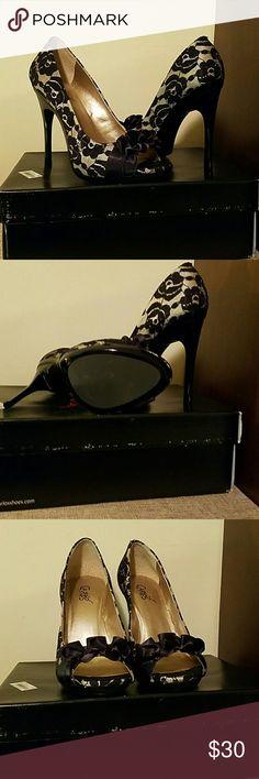 Satin and beige stilettos Peep toe stilettos Carlos Santana Shoes Heels