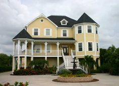Victorian Style Beach House - I am in LOVE!