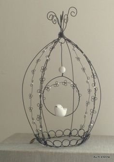 1 million+ Stunning Free Images to Use Anywhere Wire Hanger Crafts, Wire Hangers, Wire Crafts, Diy And Crafts, Wire Art Sculpture, Textile Sculpture, Diy Bird Cage, Bird Cages, Sculptures Sur Fil