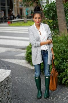 Basics / cardigan, hunter boots