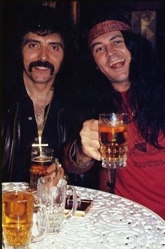 Tony Iommi (Black Sabbath) and Ian Gillan (Deep Purple) - pure R'nR! Metal Bands, Rock Bands, Hard Rock, Classic Rock Artists, James Dio, Jazz, Black Label Society, Music Pics, Music Stuff