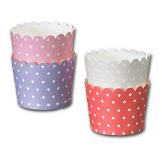 Pappersform av kraftigare papp för att baka muffins och cupcakes.Bottenstorlek Ø 5 cm, höjd 4,5 cm. Behandlad insida för att bättre stå emot fett och vätska. Levereras i förpackning om 25 st, i set om fyra färger, ljusblå, grå, rosa och röd.