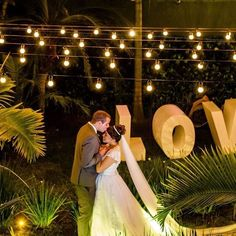 O @Peterrainefotografiafaz cliques de casamentos divinos e eterniza cada segundo desse dia! Seu álbum vai ser divino com tantas fotos lindas. 📷 Se você amou essa foto tanto quanto eu, então corre pra conhecer mais sobre ele.  Contato ➜ instagram @peterrainefotografia ou no WhatsApp (21) 98795-8888  Esse fotógrafo é do Rio de Janeiro!