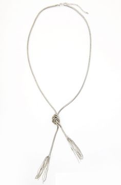 Collier long avec nœud et franges de métal Marie Claire, Pendant Necklace, Style, Jewelry, Fashion, Fringes, Necklaces, Jewels, Jewlery