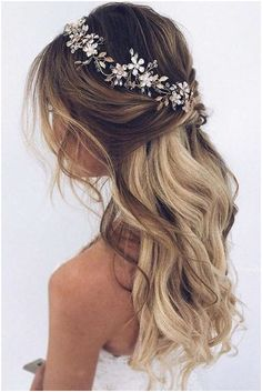 #Hair #WavyHair Hairstyles for wavy hair always look sophisticated and can supplement the most impressive holiday look. You can opt for either crazy and bouncy or naturally looking curls. Your choice depends on the preferable holiday image.#hairstyle#wavyhair#updo, click for info.