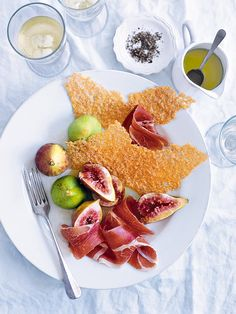 fresh figs with prosciutto and parmesan crisps - donna hay