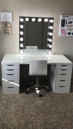 Make-up room inspiration! I love this vanity in my makeup room! Ikea Alex drawers make-up room inspiration! I love this vanity in my makeup room! Ikea Alex drawers Source b Sala Glam, Ikea Alex Drawers, Ikea Alex Desk, Makeup Room Decor, Ikea Inspiration, Design Inspiration, Design Ideas, Home Design, Makeup Inspiration