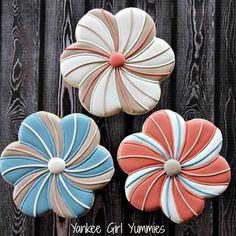 Swirly flowers! #flowers #cookies