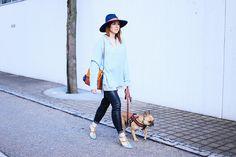 Serenity Lookbook, Trendfarbe Hellblau kombinieren, Pantone Farbtrends 2016, Hellblau kombinieren, Chloè Faye, Valentino Rockstuds, Streetstyle, Fashion Blogger, whoismocca.com