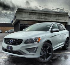 XC60 T6 AWD R-Design. Ice White. 2014.