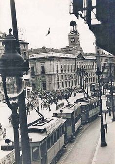 Best Hotels In Madrid, Foto Madrid, Madrid Travel, City Museum, World Cities, Illustrations, Old Pictures, Vintage Photos, Vintage Photographs