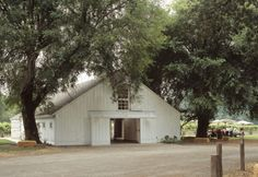 What a beautiful shed!  MacMurray Ranch (Gallo family winery) by architects Backen, Gillam & Kroeger.