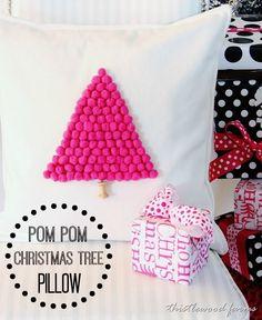pom-pom-pillow-Christmas-tree