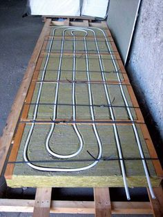 Obr. 5 Prototyp ITAP panelu – nosný rám – minerálna vlna, rozmery 2 000 × 1 000 × 100 mm (teplonosná látka voda)