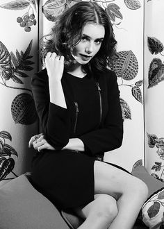 Lily Collins | @celebritiies