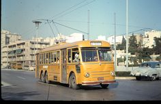 Athens trolley bus near the old Olympic stadium. Roads full of American cars as the US Forces were still in Greece. Athens airport was a US Air Force base at that time which also handled civil flights. Us Air Force Bases, Athens Airport, By Train, Athens Greece, Train Travel, Historical Photos, Olympics, Tourism, Nostalgia