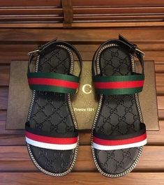 Amazing and Unique Tips and Tricks: Valentino Shoes Boots shoes aesthetic nike free.Gucci Shoes Flats running shoes for men. Cute Sandals, Cute Shoes, Me Too Shoes, Shoes Sandals, Flat Shoes, Sock Shoes, Awesome Shoes, Trendy Shoes, Crazy Shoes