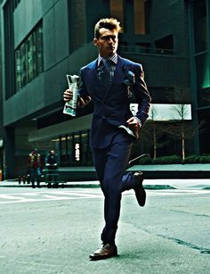 Photographed by Eric Ray Davidson with coffee and bag in hand, Vladimir Iv…: How to Shop Vintage Gucci Like a. Mode Vintage, Vintage Gucci, Resale Online, Style Costume Homme, Costume Gris, Louis Vuitton Luggage, Mens Fashion Suits, Blazer, Gentleman Style