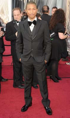 Pharrell Williams in his perfect fitted Tuxedo at the 2012 Academy Awards!   #GreatFit