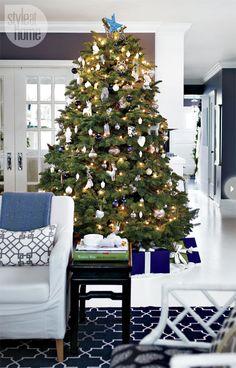 Love the room and Christmas decor | Madeline Weinrib Indigo Brooke Cotton Carpet | gorgeous!