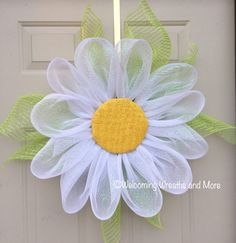 Daisy Wreath White Flower Wreath Spring by WelcomingWreathsMore