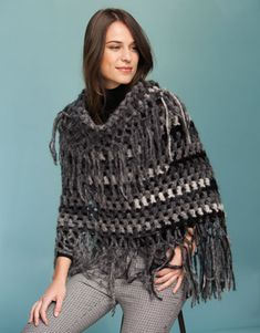 Book Woman Accessories 9 Autumn / Winter | 47: Woman Poncho | Black-Off-white