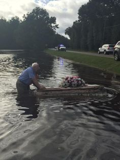 Summerville pastor pulls an unearthed casket out of the flood waters in Ridgeville Flood Damage, Wild Weather, 1000 Years, Casket, Abandoned Houses, Natural Disasters, All Over The World, Cemetery, Mother Nature