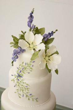 Wedding Cakes, these flowers are absolutely Beautifully done!!!!!!! I see this cake on a silver stand and it would be stunning!!!! #whiteweddingcakes