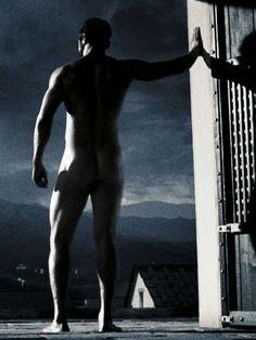 5/25/15 11:18p Warner Bros. Pictures ''300'' Gerard Butler as King Leonidas B/W Cool Night 2006 attitude.co.uk