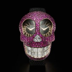 Discover some of the most beautiful watches inspired by skulls. The best way to remind you to live life to the fullest.