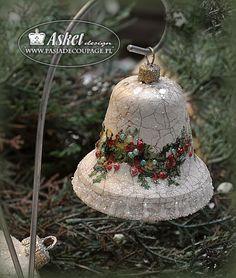 dzwonek ze spękaniami - ozdoba na choinkę