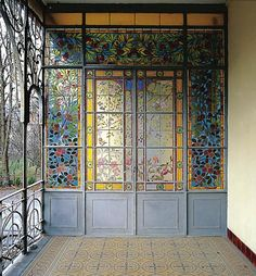 Victorian Door, Victorian Homes, Beautiful Interiors, Beautiful Homes, Art Nouveau Interior, Sharpie Drawings, Home Library Design, Barbie Dream House, Stained Glass Designs