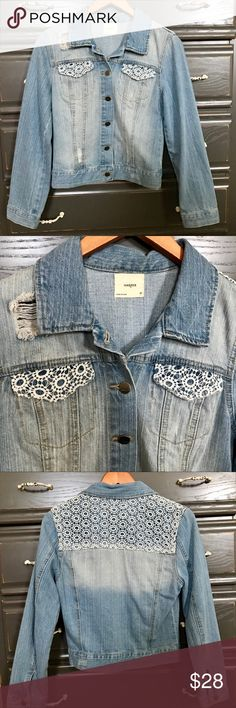 Distressed Jean Jacket This Francesca's distressed jean jacket is PERFECT for the  Fall or Spring season! It fits true to size and has only been worn once. Absolutely nothing wrong with it. It is great for layering over a tank or dress. Francesca's Collections Jackets & Coats Jean Jackets