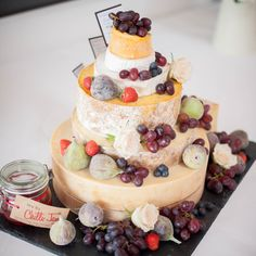 Cheese cake tower - an unusual addition to your Crear wedding