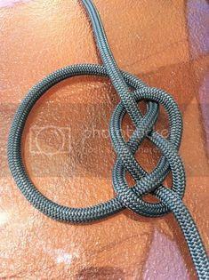 Click this image to show the full-size version. Rope Knots, Macrame Knots, Lanyard Knot, Bracelet Crafts, Bracelets, Hook Knot, Strong Knots, Survival Knots, Paracord Braids