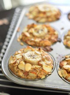 Vegan Banana Almond Baked Oatmeal Cups | Foodboum
