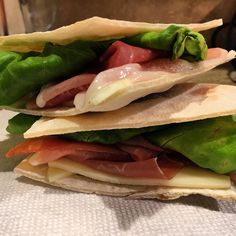 "43 Likes, 2 Comments - Karina Knight, MBA, MS, RD (@karinanutrition) on Instagram: ""Lunch to go 🏃  Udi's gluten-free pizza crust used as pita bread, prosciutto & Swiss  #glutenfree…"""