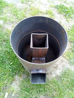 Diy Welding, Welding Projects, Cool Diy Projects, Cooking Stove, Stove Oven, Rocket Stove Design, Diy Wood Stove, Wood Burning Heaters, Rocket Mass Heater
