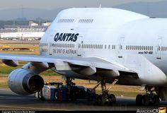 VH-OJA 747-438 on the pushback