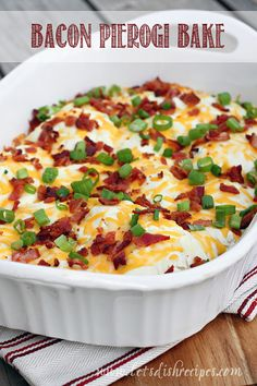 "I'm not sure what exactly ""pierogies"" are but this Bacon Pierogi Bake includes a creamy sauce, topped with bacon, cheese and green onions. Clearly this recipe is for dinner Great Recipes, Dinner Recipes, Favorite Recipes, Bacon Recipes For Dinner, Easy Potluck Recipes, Potluck Ideas, Popular Recipes, Dinner Ideas, One Pot Meals"