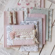 Mini Album Scrapbooking // Daily Like Fabrics