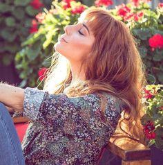 Resultado de imagen de julieta nair calvo las estrellas Woman Crush, Short Film, Pretty People, Lesbian, Girlfriends, Crushes, Singer, Photo And Video, Celebrities