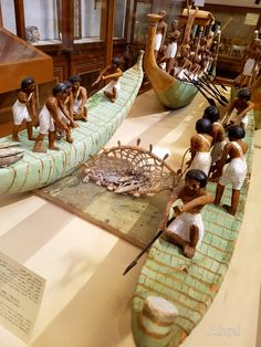 Models of fishingboats. Middle Kingdom. 11Dyn. 2050-1786 BC. Tomb of Meket-Re. South of Deir el Bahari. Luxor. Painted wood. Egyptian Museum Caïro.